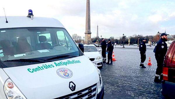 Проверка экологических наклеек в Париже